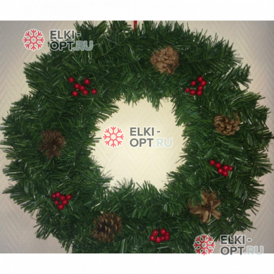 Венок новогодний 50см с шишками и ягодами цвет зеленый